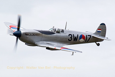 This Spitfire (PH-OUQ / MK732/3W-17; cn CBAF.IX.1732) - operated by Stichting Koninklijke Luchtmacht Historische Vlucht - performs a nice fly-by during the hazy spottersday at KB, prior to the 2015 Sanicole Air Show.