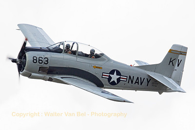 A T-28B Trojan (NX377WW / 137777 / KV-863; cn 200-140), performing a high speed pass at KB during the spottersday, prior to the Sanicole Airshow 2015.