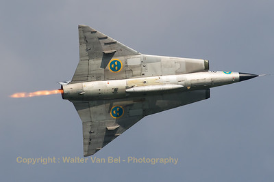 The Swedish Air Force Historic Flight's Saab Sk35C Draken (SE-DXP/79; cn35-810) performs a very nice photo-pass - with afterburner - during Airpower16 at Zeltweg Air Base.