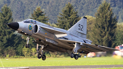"The Swedish Air Force Historic Flight's AJS-37 Viggen (52-7, ""SE-DXN"", cn37098), seconds before touch-down at Zeltweg Air Base (Airpower16)."
