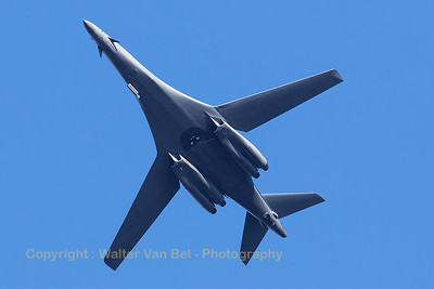 A USAF Rockwell B-1B Lancer (85-0089; DY; cn 49) passes overhead Sanicole, prior to the start of the Sunset Show 2016.