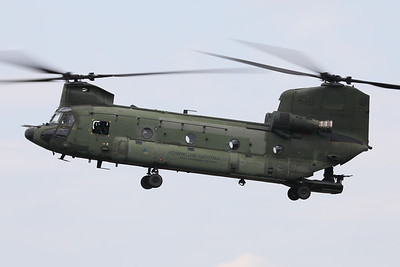 """RNLAF Boeing-Vertol CH-47D Chinook (D-103; cnM4103/NL010), performs a fly-by at the start of its role-demo, during the """"Luchtmachtdagen 19"""" at Volkel Air Base (NL)."""