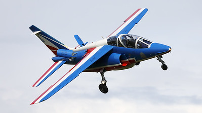 """The number """"4"""" of the"""" Patrouille de France"""", an Alpha Jet E (F-TELC; 4; E87), is seen here turning final at Volkel AFB, during the arrival-day prior to the """"Luchtmachtdagen 2019""""."""
