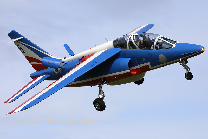 "The number ""5"" of the"" Patrouille de France"", an Alpha Jet E (F-UGFK; 5; E127), is seen here turning final at Volkel AFB, during the arrival-day prior to the ""Luchtmachtdagen 2019""."