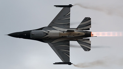 "The ""Dark Falcon"" F-16AM (FA-101; cn6H-101), piloted by Stefan ""Vador"" Darte, is seen here during her magnificient performance at the Sanicole Sunset Air Show."
