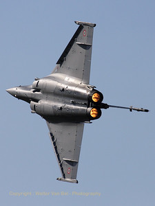 French Air Force Rafale C, putting on a marvelous and spectacular performance at Beauvechain Air Show 2010.