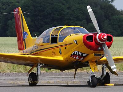 BAF_SF-260M_ST-22_cn10-22_EBBE_20100704_IMG_19826_WVB_1200px