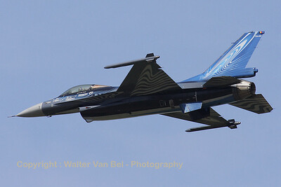 """Vortex"", the Belgian Air Force demo-Viper, shows it beautiful c/s during the arrival day for the Beauvechain Airshow 2010."