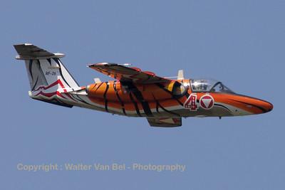 AustriaAF_SAAB-105OE_RF-26_cn105426_EBBE_20100702_IMG_19463_WVB_1200px