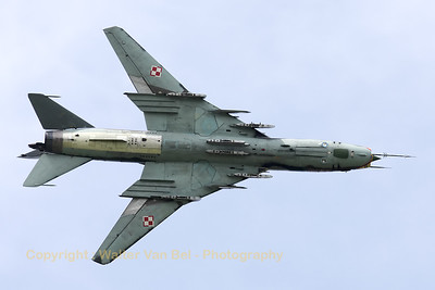 A Polish Air Force Su-22M4 (reg:3819 cn37819), showing its belly during a rehearsal for the Florennes Air Show 2012.