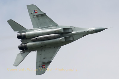 This Slovak Air Force MiG-29AS (reg:3911, cn2960532039/4204) made some nice Photo-passes - this time showing its belly - during the rehearsal on the arrival day for the Florennes Air Show 2012.