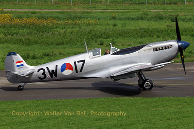 Warbird_Spitfire-mkIX_PH-OUQ_cn1732_3W-17_EHLE_20070901_CRW_10170_RT8_WVB_1200px