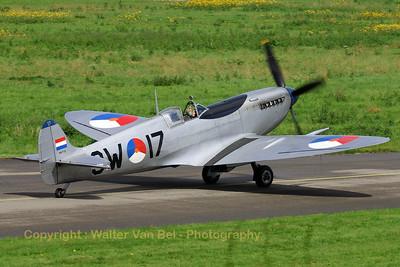 Warbird_Spitfire-mkIX_PH-OUQ_cn1732_3W-17_EHLE_20070901_CRW_10169_RT8_WVB_1200px