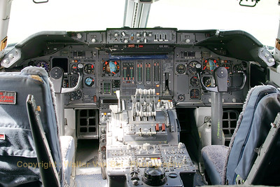 KLM_Boeing-747-206BM_PH-BUK_cockpit_20070901_EHLE_CRW_10190_WVB_1200px