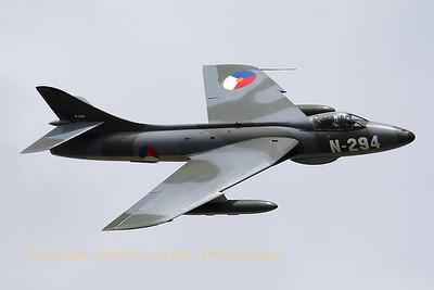 Warbird_Hunter-F6A_G-KAXF_cnS4-U-3361_EHGR_20100619_IMG_18941_WVB_1200px_ed2