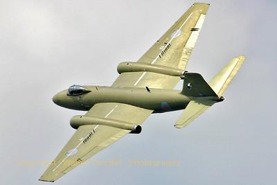 RAF_Canberra_PR9_39SQ_XH131_EBBL_20050720_IMG_1728_WVB_1024px