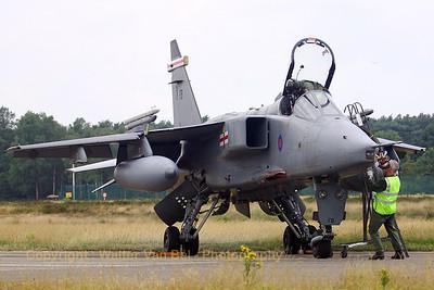 RAF_Jaguar-GR3A_XZ117_FB_EBBL_20050720_IMG_1712_WVB_1200px