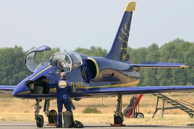 Breitling-Jet-Team_L-39_ES-YLX_EBBL_20060721_CRW_5757_RT8_WVB_1200px_extra-USM