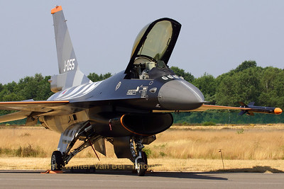 RNLAF_F-16AM_J-055_EBBL_20060721_CRW_5737_RT8_WVB_1200px