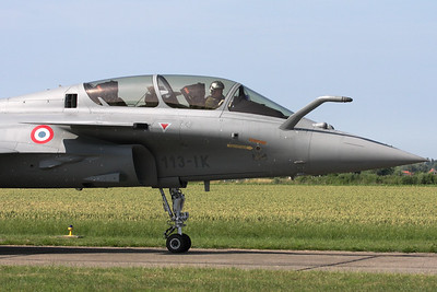 Close-up of this French Air Force demo-Rafale B (336; 113-IK), on the taxitrack, prior to take-off for its display-routine during the Koksijde Air Show 2009.