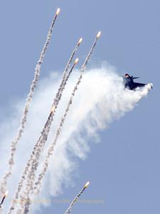 RNLAF_F-16AM_J-015_cn6D-171_EBFN_20090704_IMG_9337_WVB_1200px