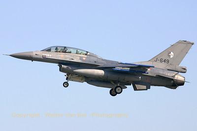 RNLAF_F-16BM_J-649_EBFN_20050902_IMG_2154_WVB_1200px