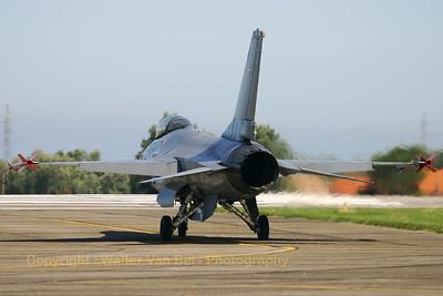 RDAF_F-16AM_ESK-727_E-190_EBFN_20050902_IMG_2229_WVB_1200px