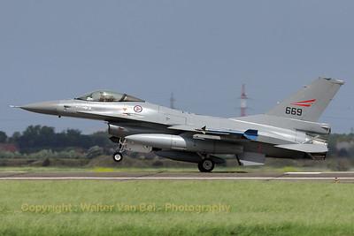 NoAF_F-16AM_669_6K-41_EBFN_20090703_IMG_8806_WVB_1200px