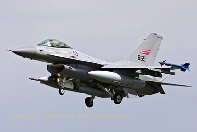 NoAF_F-16AM_669_6K-41_EBFN_20090703_IMG_8803_WVB_1200px