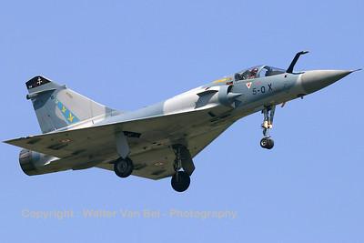 FAF_Mirage-2000C_16_5-OX_EC02-005_EBFN_20060630_CRW_5079_RT8_WVB_1200px_re-edit