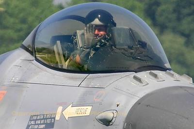 BAF_F-16AM_FA-100_EBFN_20060630_CRW_5199_RT8_WVB_1200px