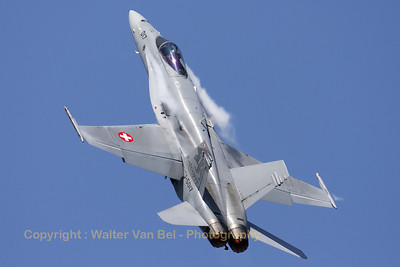 SwissAF_FA-18C_Hornet_J-5017_EBFN_20110705_IMG_31697_WVB_1200px