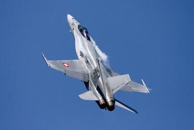 SwissAF_FA-18C_Hornet_J-5017_EBFN_20110705_IMG_31697_WVB_3000px