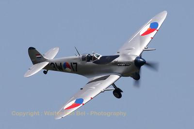 Warbird_Spitfire-mkIX_PH-OUQ_cn1732_3W-17_EBFN_20110705_IMG_31645_WVB_1200px