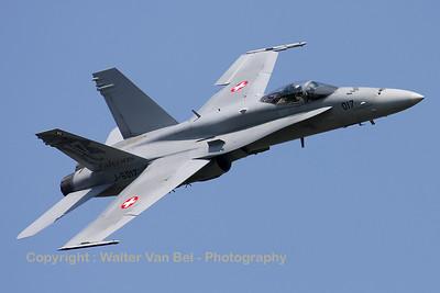SwissAF_FA-18C_Hornet_J-5017_EBFN_20110705_IMG_31706_WVB_1200px
