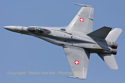 SwissAF_FA-18C_Hornet_J-5017_EBFN_20110705_IMG_31678_WVB_1200px