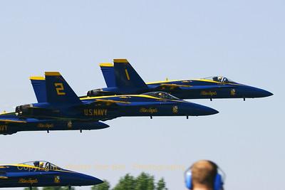 USNavy_Blue-Angels_F-18A_2x_EHLW_20060617_CRW_4850_RJ8_WVB_1200px