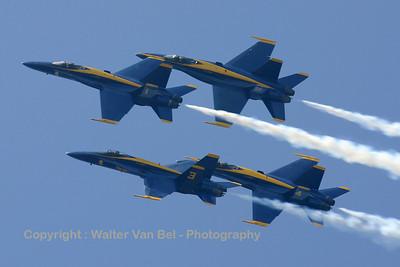 USNavy_Blue-Angels_F-18A_4x_161948-3_EHLW_20060617_CRW_4865_RT8_WVB_1200px