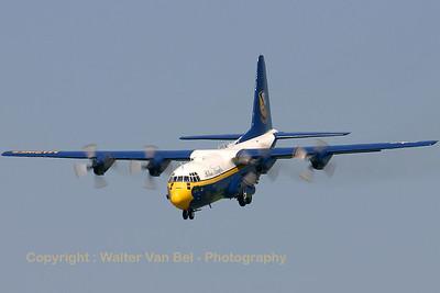 USMarines_Fat-Albert_C-130T_164763_EHLW_20060617_CRW_4847_RT8_WVB_1200px
