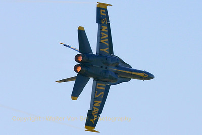 USNavy_Blue-Angels_F-18A_162897_EHLW_20060617_CRW_4884_RT8_WVB_1024px