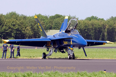 USNavy_Blue-Angels_F-18A_162897_5_EHLW_20060617_CRW_4807_RT8_WVB_1200px