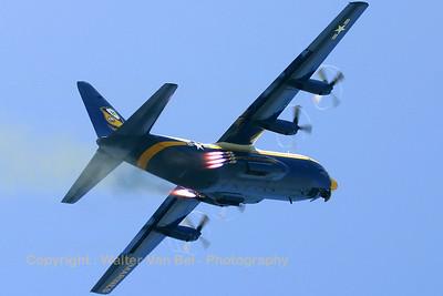 USMarines_Fat-Albert_C-130T_164763_EHLW_20060617_CRW_4832_RT8_WVB_1200px