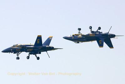 USNavy_Blue-Angels_F-18A_162897_162437_EHLW_20060617_CRW_4876_RT8_WVB_1200px