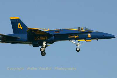 USNavy_Blue-Angels_F-18A_161942_EHLW_20060612_CRW_4715_RT8_WVB_1024px