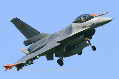 BAF_F-16AM_FA-86_EHLW_20060612_CRW_4686_RT8_WVB