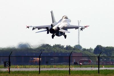 BAF_F-16AM_FA-57_EHLW_20060612_CRW_4684_RT8_WVB_1200px