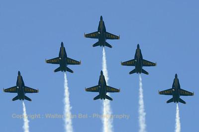 USNavy_Blue-Angels_6x_F-18A_161967_EHLW_20060612_CRW_4703_RT8_WVB_1024px