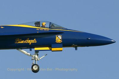 USNavy_Blue-Angels_F-18A_161942_EHLW_20060612_CRW_4715_RT8_WVB_1200px