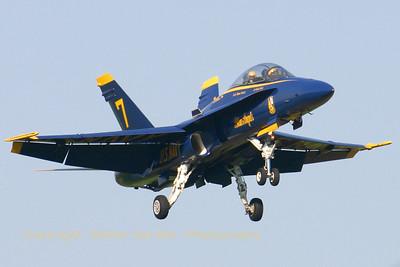 USNavy_Blue-Angels_F-18B_161943_EHLW_20060612_CRW_4723_RT8_WVB_1024px