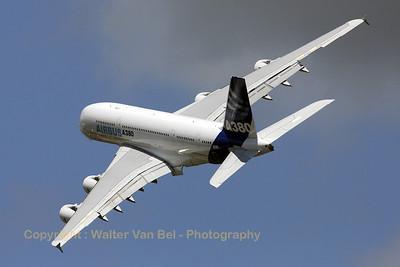 Airbus-Industrie_A380-841_F-WWDD_cn004_LFPB_20090619_IMG_8093_WVB_1200px
